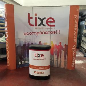 Pop up plegable con gráfica en glaspa laminada y mostrador. Club Tixe Dos Hermanas Sevilla.